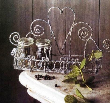 08-diy-wire-garden-decorations-craft-ideas-2