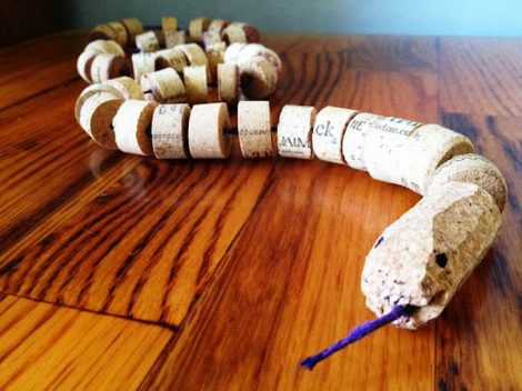 3-homemade-wine-cork-snake-craft